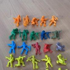 Figuras de Goma y PVC: LOTE DE 28 FIGURAS / FIGURITAS VARIADAS DUNKIN SOLDADOS - CHICLES DUNKIN - VINTAGE AÑOS 80 -. Lote 195973225