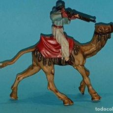 Figuras de Goma y PVC: BEDUINO A CAMELLO DE REAMSA, SERIE LAWRENCE DE ARABIA. Lote 196117373
