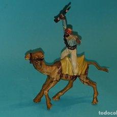 Figuras de Goma y PVC: BEDUINO A CAMELLO DE REAMSA, SERIE LAWRENCE DE ARABIA.. Lote 196117591