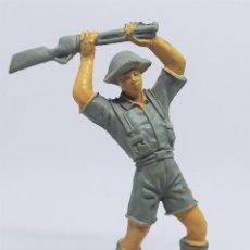 Figuras de Goma y PVC: FIGURA SOLDADO INGLÉS 1004 DE LA COLECCIÓN SOLDADOS DEL MUNDO DE COMANSI. Lote 196144672
