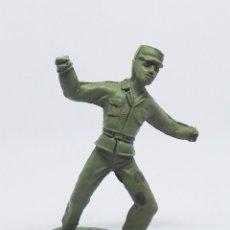 Figuras de Goma y PVC: FIGURA SOLDADO CUBANO 1026 DE LA COLECCIÓN SOLDADOS DEL MUNDO DE COMANSI. Lote 196147632