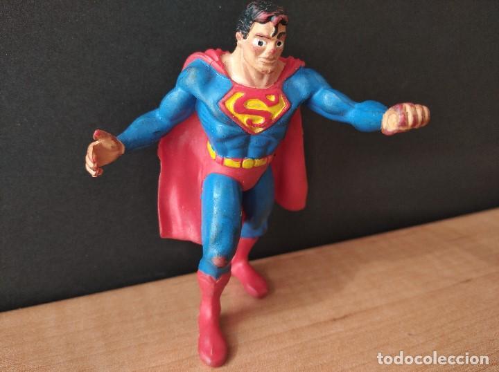 Figuras de Goma y PVC: FIGURA DC SUPERMAN-9cm aprox.-COMICS SPAIN-1988-VER FOTOS-B1-V1 - Foto 2 - 196209677