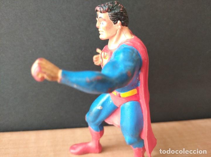 Figuras de Goma y PVC: FIGURA DC SUPERMAN-9cm aprox.-COMICS SPAIN-1988-VER FOTOS-B1-V1 - Foto 4 - 196209677