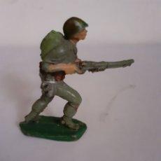Figuras de Goma y PVC: SOLDADO AMERICANO PECH EN GOMA. Lote 196455165
