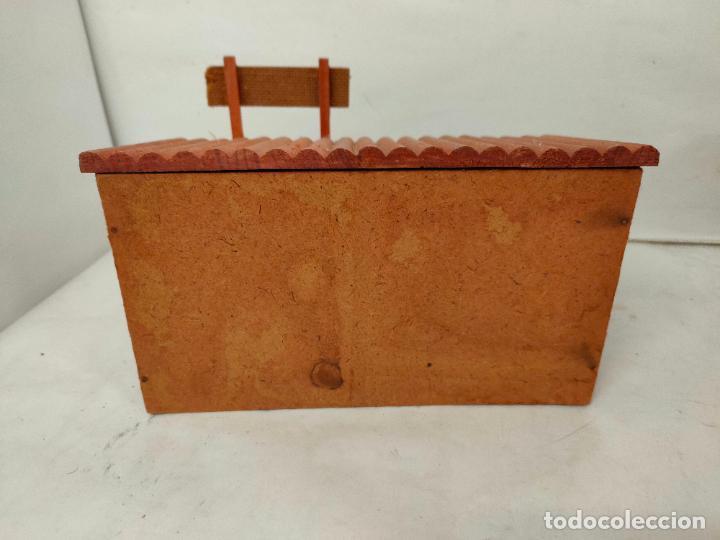 Figuras de Goma y PVC: Casas de madera fabricadas para Teixido por Juguetes Gracia. Herrería,Banco,Almacen y Carcel.Sin uso - Foto 5 - 196773930
