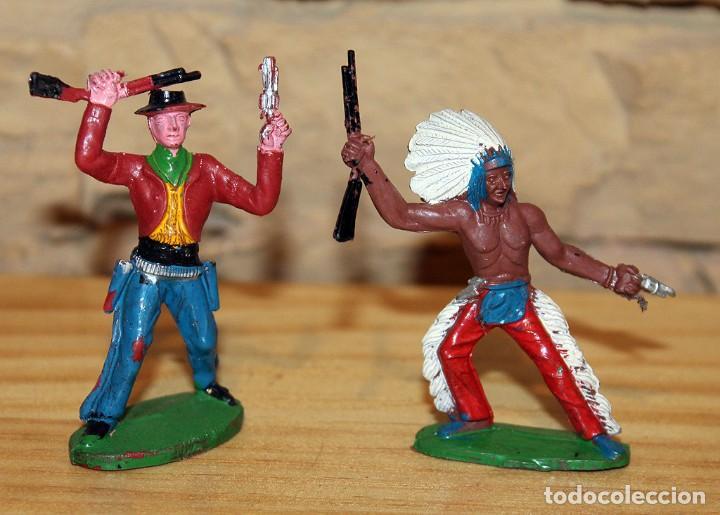 SOTORRES - LOTE DE 2 FIGURAS: INDIO Y VAQUERO - PLASTICO - BIEN CONSERVADOS2 (Juguetes - Figuras de Goma y Pvc - Sotorres)
