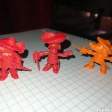 Figuras de Goma y PVC: LOTE DUNKIN. Lote 197736727