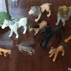 Figuras de Goma y PVC: LOTE DE 11 MUÑECOS DE ANIMALES (CABALLOS, PERROS, TORTUGA, LEÓN... PARA SAFARI). Lote 197774420