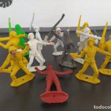 Figuras de Goma y PVC: 13 FIGURAS DE COMANSI - SOLDADOS DEL MUNDO - AÑOS 70. Lote 197779493