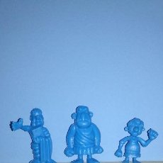 Figuras de Borracha e PVC: DUNKIN ASTERIX UDERZO. Lote 198232777