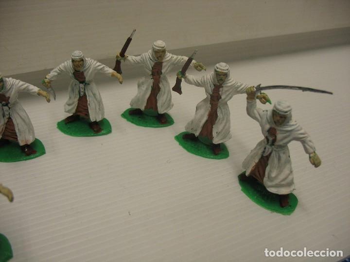 Figuras de Goma y PVC: lote de 9 figuras de plastico tipo musulman en batalla - Foto 7 - 198661856