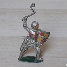 Figuras de Goma y PVC: CABALLERO MEDIEVAL GUERRERO CRISTIANO CRUZADO, FABRICADO EN GOMA, PECH HERMANOS, ORIGINAL AÑOS 50.. Lote 198665773