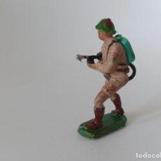 Figuras de Goma y PVC: FIGURA SOLDADO INGLÉS PECH HNOS. Lote 198755175