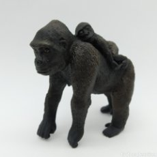 Figuras de Goma y PVC: GORILA HEMBRA CON BEBÉ A ESPALDAS DE SCHLEICH. Lote 198762560