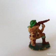 Figuras de Goma y PVC: FIGURA SOLDADO PECH AÑOS 60. Lote 198826291