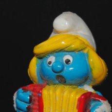 Figuras de Goma y PVC: FIGURA PITUFO GOMA PITUFINA . Lote 198926311