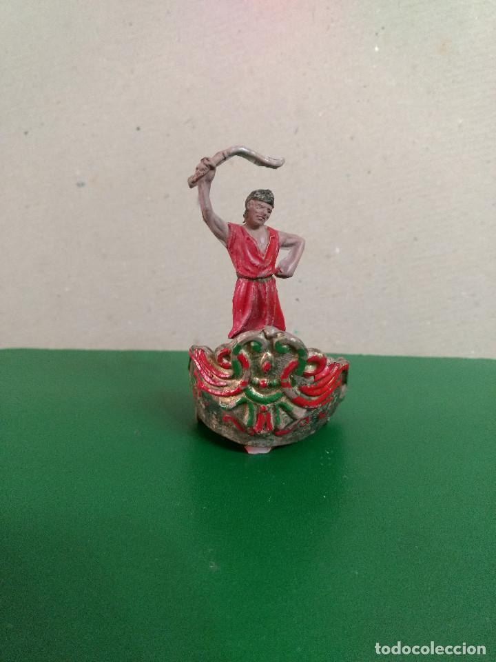 FIGURA Y CARRO REAMSA EN GOMA SERIE BEN HUR CONDUCTOR DE CUADRIGA ORIGINAL 1960 (Juguetes - Figuras de Goma y Pvc - Otras)