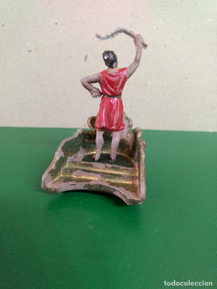 Figuras de Goma y PVC: FIGURA Y CARRO REAMSA EN GOMA SERIE BEN HUR CONDUCTOR DE CUADRIGA ORIGINAL 1960 - Foto 2 - 198947597