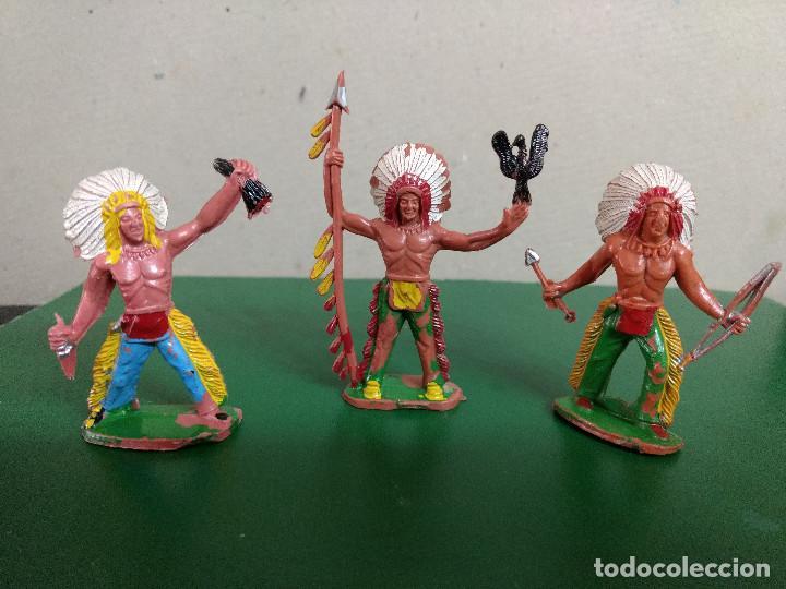 LOTE 3 GUERREROS INDIOS ORIGINALES REALIZADO POR SOTORRES AÑOS 60- 70 (Juguetes - Figuras de Goma y Pvc - Otras)