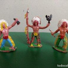 Figuras de Goma y PVC: LOTE 3 GUERREROS INDIOS ORIGINALES REALIZADO POR SOTORRES AÑOS 60- 70. Lote 198952801
