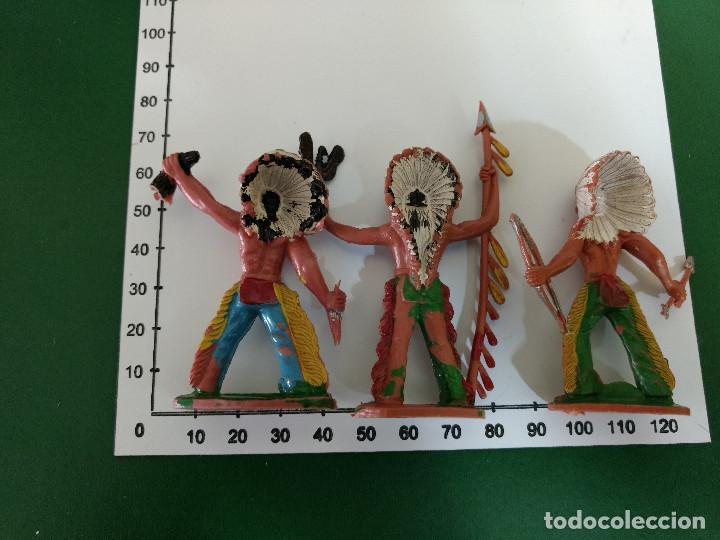 Figuras de Goma y PVC: LOTE 3 GUERREROS INDIOS ORIGINALES REALIZADO POR SOTORRES años 60- 70 - Foto 3 - 198952801