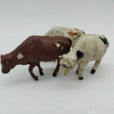Figuras de Goma y PVC: LOTE DE 3 VACAS, RESES, GANADO OESTE DE REAMSA AÑOS 50. Lote 199155577