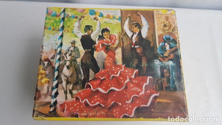 Figuras de Goma y PVC: Tablao flamenco en madera mas 2 figuras de feria de sevilla de comansi - Foto 6 - 199336473