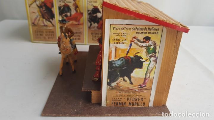 Figuras de Goma y PVC: Tablao flamenco en madera mas 2 figuras de feria de sevilla de comansi - Foto 8 - 199336473