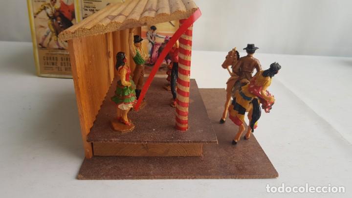 Figuras de Goma y PVC: Tablao flamenco en madera mas 2 figuras de feria de sevilla de comansi - Foto 10 - 199336473