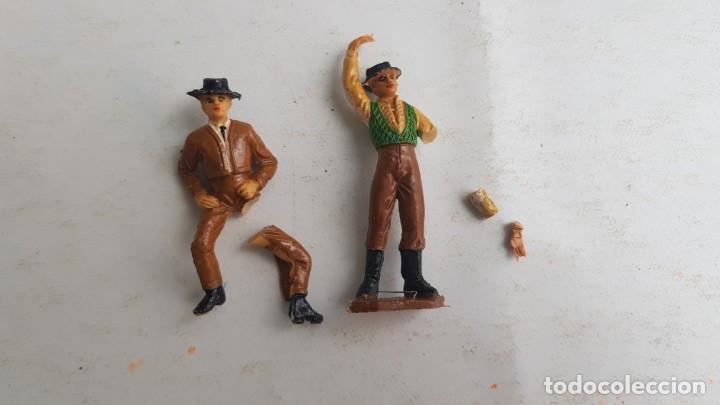 Figuras de Goma y PVC: Tablao flamenco en madera mas 2 figuras de feria de sevilla de comansi - Foto 15 - 199336473