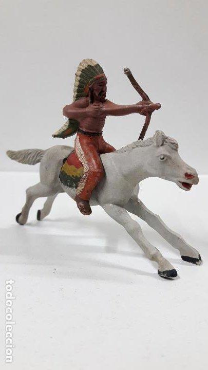 GUERRERO INDIO A CABALLO . REALIZADO POR REAMSA . AÑOS 50 EN GOMA (Juguetes - Figuras de Goma y Pvc - Reamsa y Gomarsa)