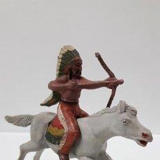 Figuras de Goma y PVC: GUERRERO INDIO A CABALLO . REALIZADO POR REAMSA . AÑOS 50 EN GOMA. Lote 199585627