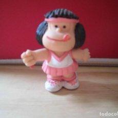 Figuras de Goma y PVC: FIGURA PVC MAFALDA TENISTA COMICS SPAIN (LE FALTA RAQUETA). Lote 199625563