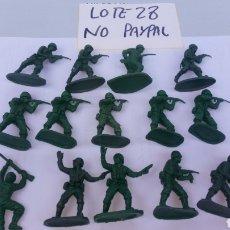 Figure di Gomma e PVC: AIRFIX 1/32 LOTE 14 SOLDADO MILITAR INFANTERÍA ALEMANES?? MADE IN HONG KONG DESCONOZCO MARCA. Lote 199765060