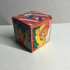 Figuras de Goma y PVC: CAJA SORPRESA AÑOS 70 CON SU CONTENIDO ORIGINAL ( VER FOTOS ) ( REF.6). Lote 199929023