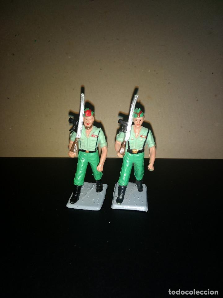 REAMSA 2 LEGIONARIOS EJERCITO ESPAÑOL DESFILE EN GOMA AÑOS 60-70 (Juguetes - Figuras de Goma y Pvc - Reamsa y Gomarsa)