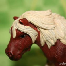 Figuras de Goma y PVC: FIGURA CABALLO YEGUA PONI SHETLAND DE SCHLEICH AÑO 2004 REF 13297. Lote 200185891