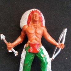 Figuras de Borracha e PVC: ANTIGUA FIGURA JEFE INDIO DE MANUEL SOTORRES. PLÁSTICO.. Lote 200238315