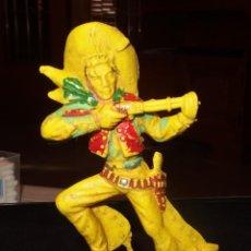 Figuras de Goma y PVC: VAQUERO CON RIFLE,SERIE GRANDE,LAFREDO,AÑOS 70. Lote 201242125