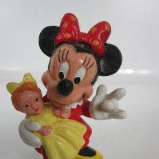 Figuras de Goma y PVC: BONITA FIGURA - MINI CON MUÑECA - BULLYLAND ALEMANIA - PVC. Lote 202384986