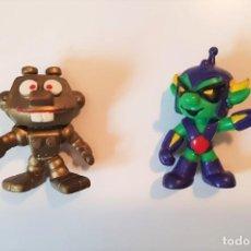 Figuras de Borracha e PVC: EL COMANDANTE Y ROBO. DOS ASTROSNIKS (ORIGINALES NO MCDONALD'S). Lote 202485431