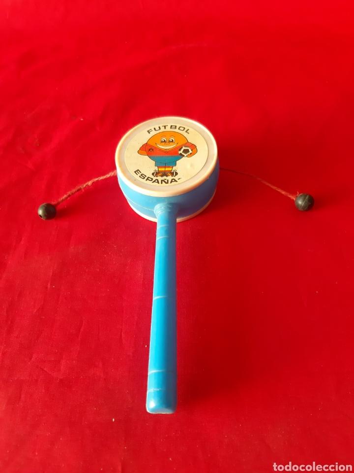 Figuras de Goma y PVC: Tambor de mano en plástico de Naranjito Mundial del 82 - Foto 2 - 202783695
