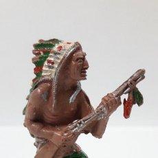 Figuras de Goma y PVC: GUERRERO INDIO . REALIZADO POR LAFREDO . AÑOS 50 EN GOMA. Lote 203322207
