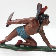 Figuras de Goma y PVC: GUERRERO INDIO CON PUÑAL ARRASTRANDOSE . REALIZADO POR TEIXIDO . AÑOS 50 EN GOMA. Lote 203386560
