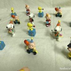Figuras de Borracha e PVC: SURTIDO DE 21 FIGURAS DE GOMA PERSONAJES DE SNOOPY. A ESTRENAR. Lote 203394236