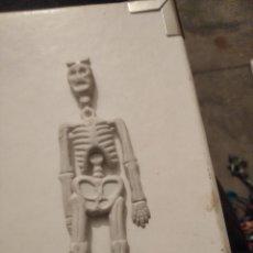 Figuras de Goma y PVC: JECSAN COMANSI REAMSA ESQUELETO KIOSKO MONTAPLEX. Lote 203404246
