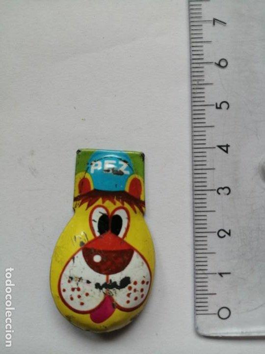 Dispensador Pez: Vintage Pez Clicker Dog Tin Perro metálico está usado y tiene algunos roces - Foto 2 - 203612396