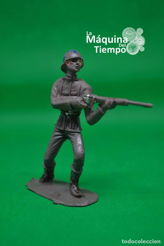 Figuras de Goma y PVC: Soldado alemán (Nº1051) de Comansi 1ª época. Años 60. Ejércitos del Mundo. Ejército alemán. - Foto 2 - 203938018