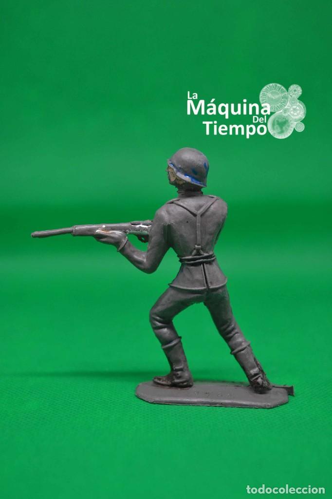 Figuras de Goma y PVC: Soldado alemán (Nº1051) de Comansi 1ª época. Años 60. Ejércitos del Mundo. Ejército alemán. - Foto 4 - 203938018