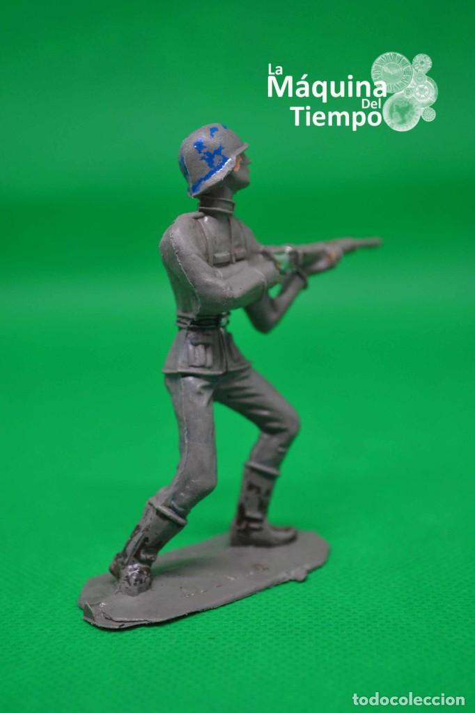 Figuras de Goma y PVC: Soldado alemán (Nº1051) de Comansi 1ª época. Años 60. Ejércitos del Mundo. Ejército alemán. - Foto 6 - 203938018